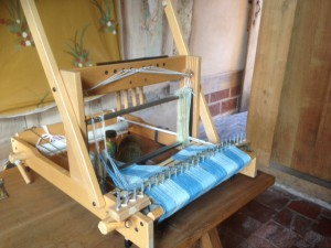 The table loom